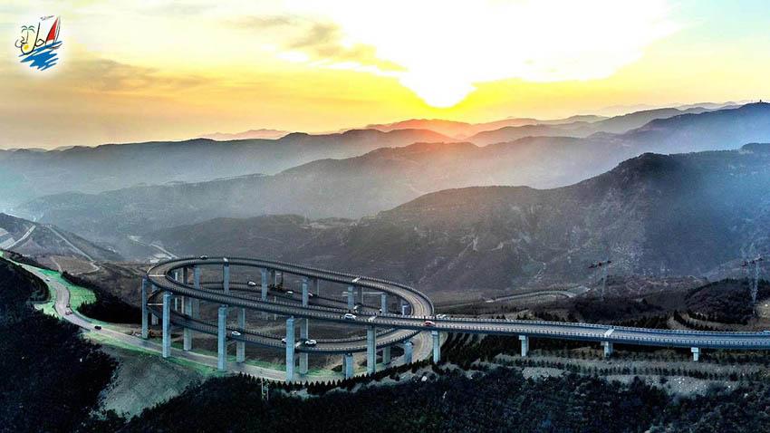 خبر پلی در چین که نظر تمام گردشگران را به خود جلب کرده است