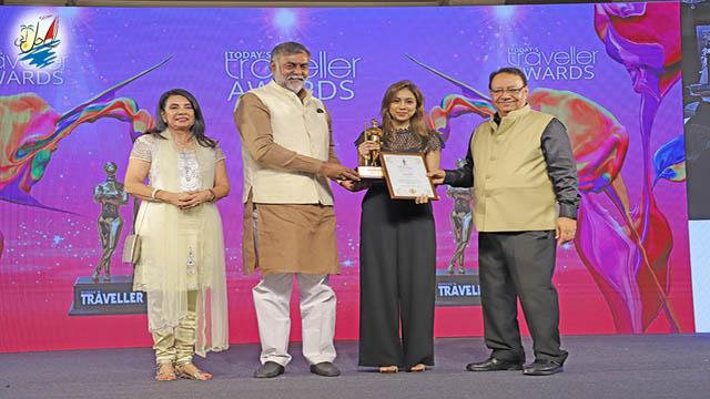 خبر عمان برنده جایزه سالانه سفر امروز